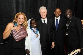 Bill Clinton, Forest Whitaker, Okello Sam, Sister Rosemary, Maria Bello.jpg