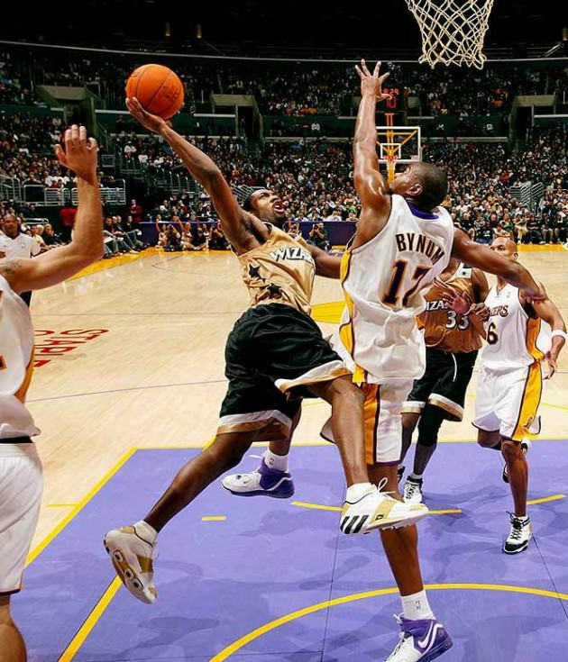 【影片】回味經典 | 「0號特工」最強一戰!狂砍60+8+8,對飚Kobe上演神仙打架!-黑特籃球-NBA新聞影音圖片分享社區