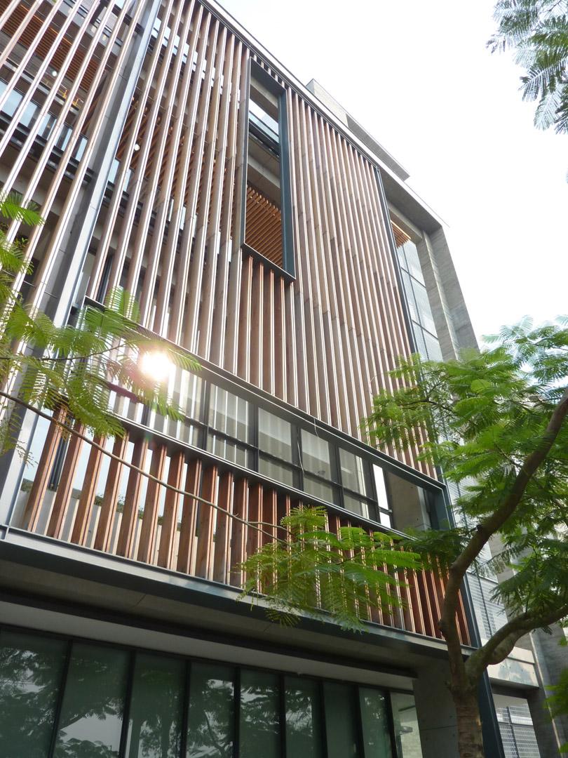Tin Shui Wai Sports Centre_P1090984.jpg