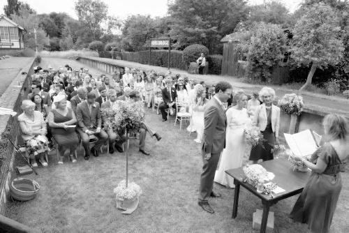 Wedding-Ceremony-led-by-AnnieOulton