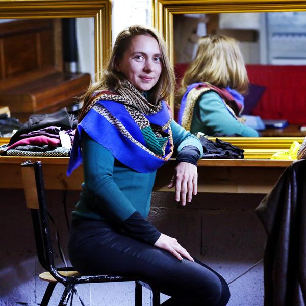 Hélène, 33 ans, co-responsable de la médiation culturelle au Théâtre ( TU ) de l'Usine.