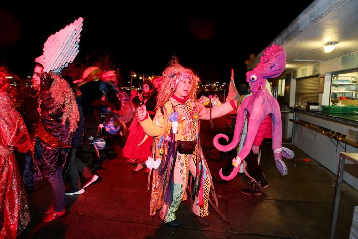 carnaval_bains_des_paquis_086.jpg