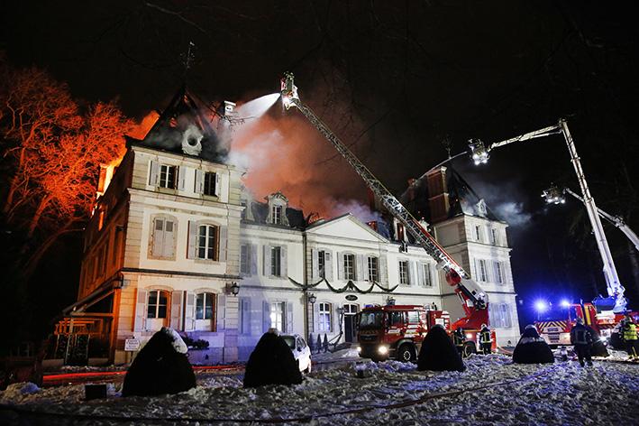 170118_incendie_chateau_divonneq07.jpg
