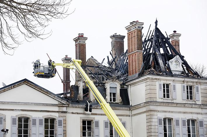 170119_incendie_chateau_divonneq03.jpg