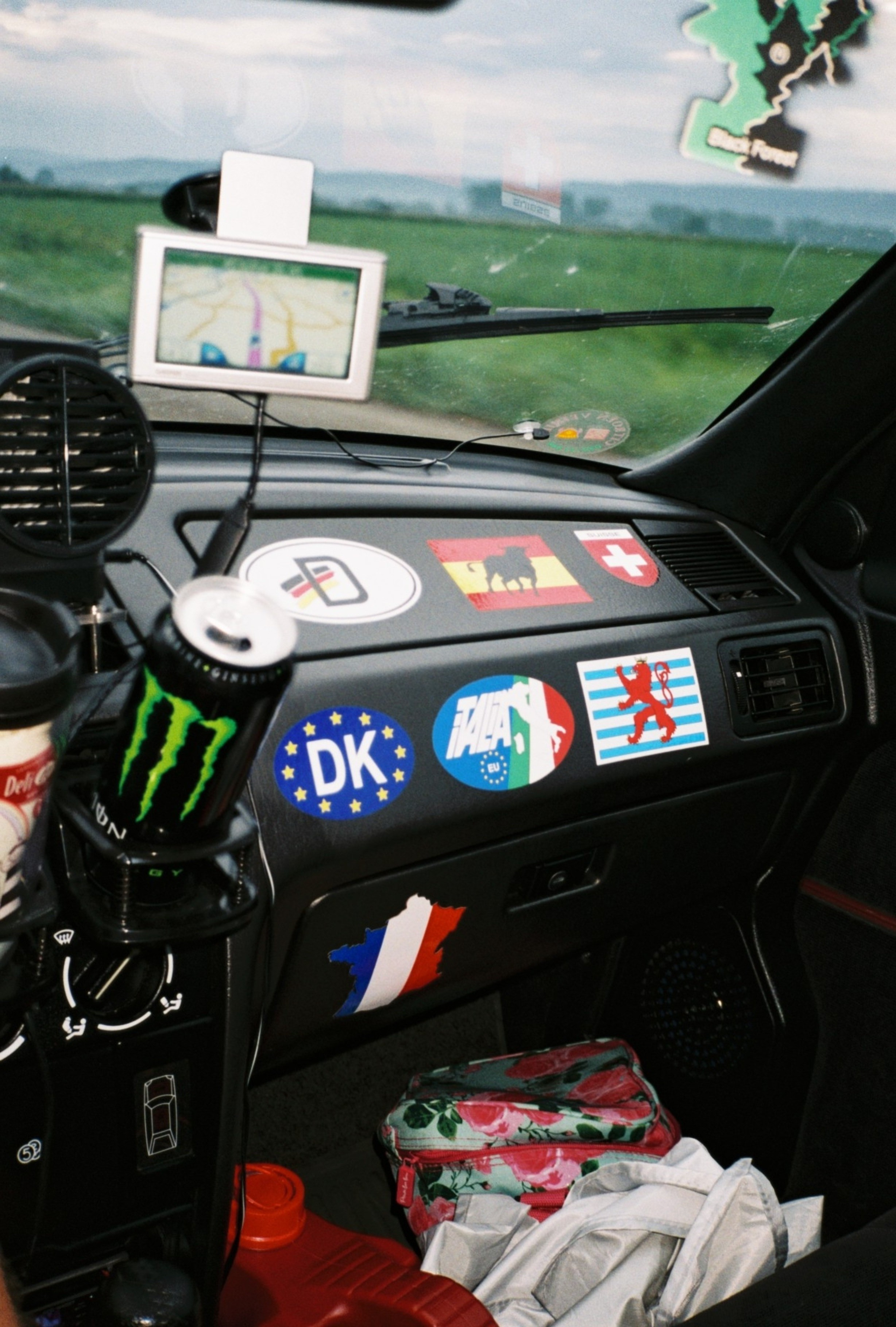 F1000018.jpg