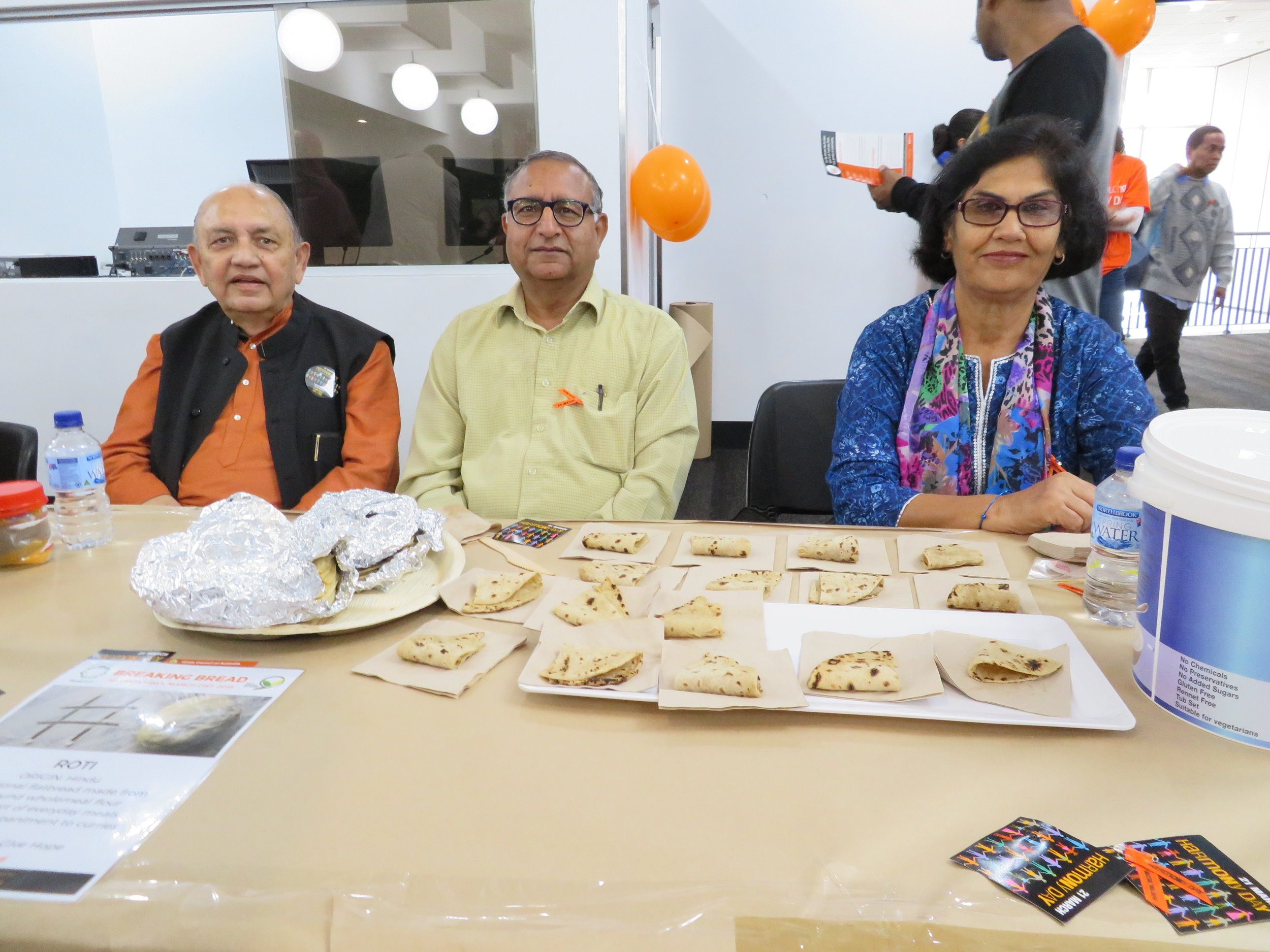 Members of the Hindu Council of Australia and Let's Give Hope. Image courtesy of Naomi Shore