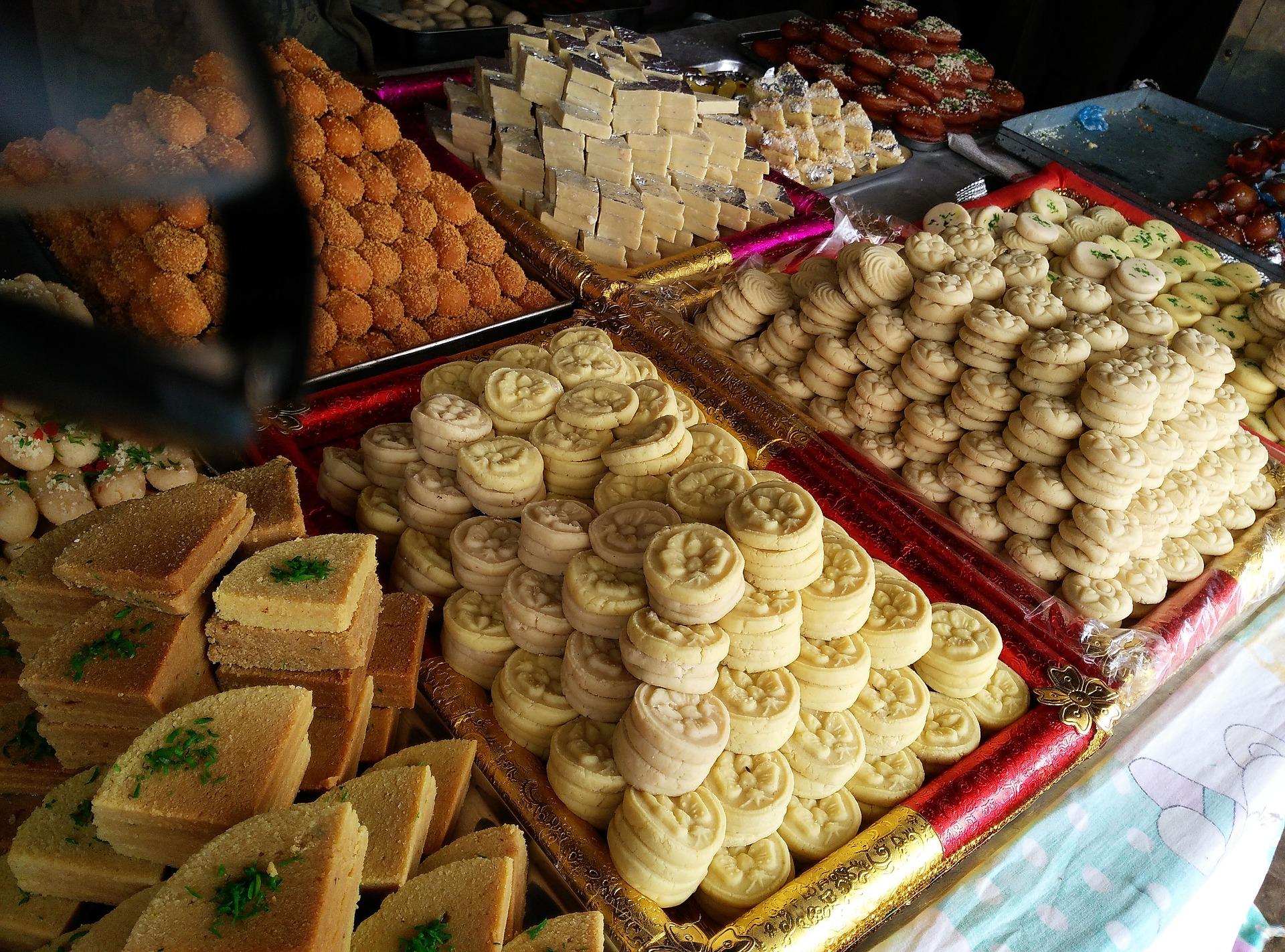diwali-sweets-2832678_1920.jpg