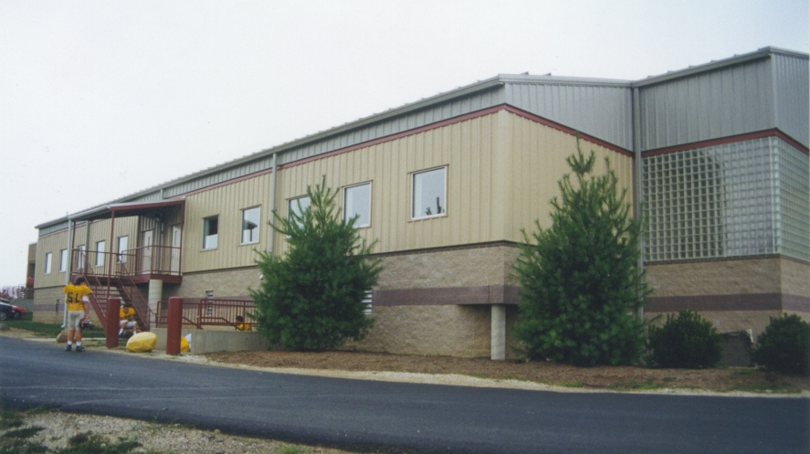 Walsh Jesuit High School Ricco Fieldhouse & Athletic Facilities - CUYAHOGA FALLS, OH