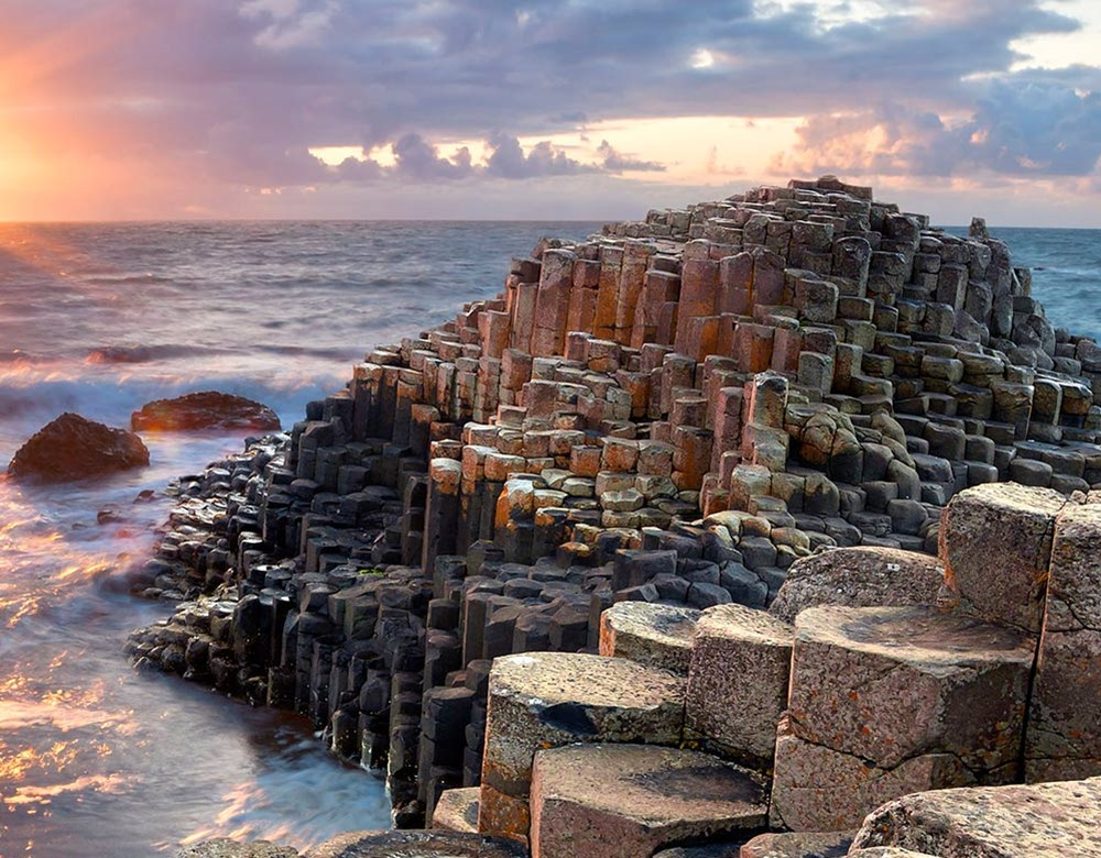 northern-ireland-the-giants-causeway-123rf-33942442-_tablet.jpg