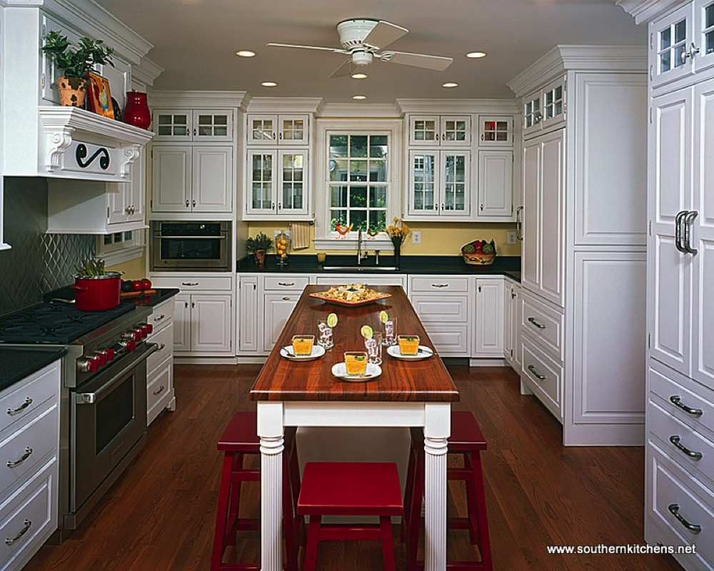 Southern Kitchens Traditional Style