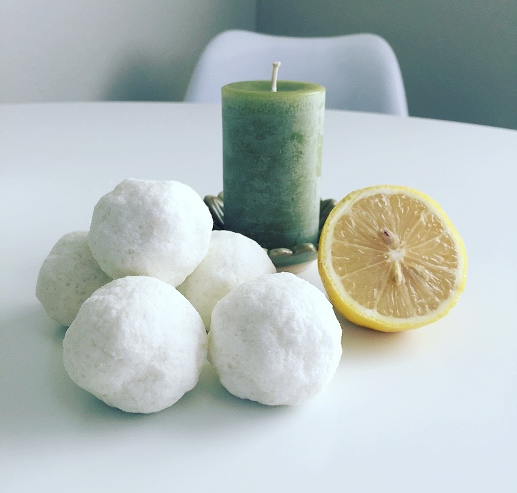 I love adding fresh lemon to the bath as well!