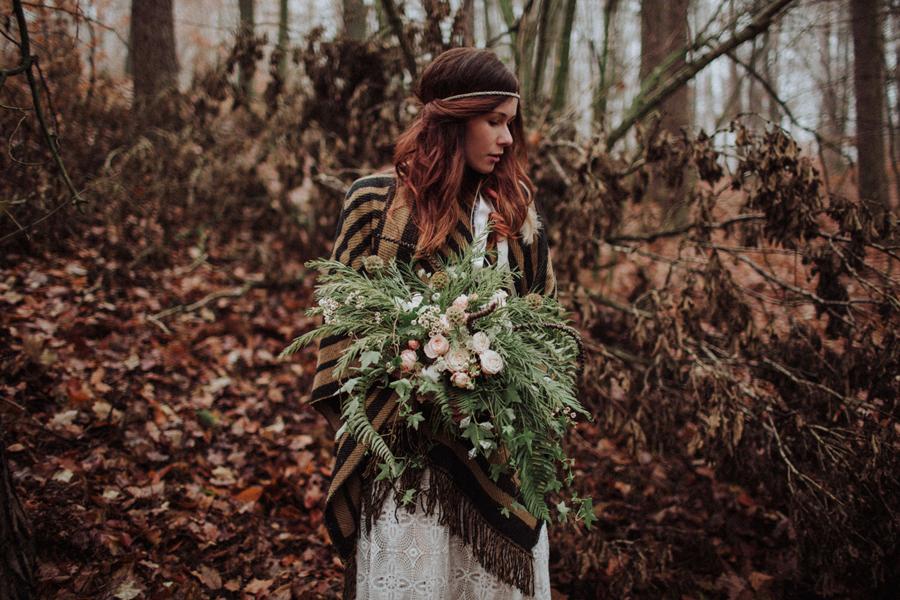 sesja-slubna-w-lesie-fotograf-slubny-poznan-016.jpg