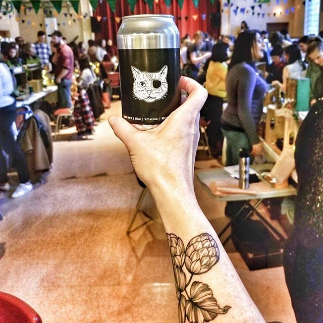 Ummm this photo by @mikmadvanclan really captures a lot of freaking awesome night market  action !! @kazooguelph @wellingtonbrewery @alliecharbz @queenofcraftbeer #guelphnightmarket
