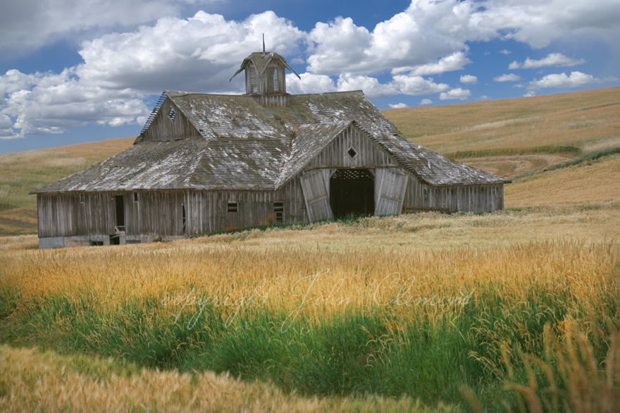 Old Palouse Barn and Clouds