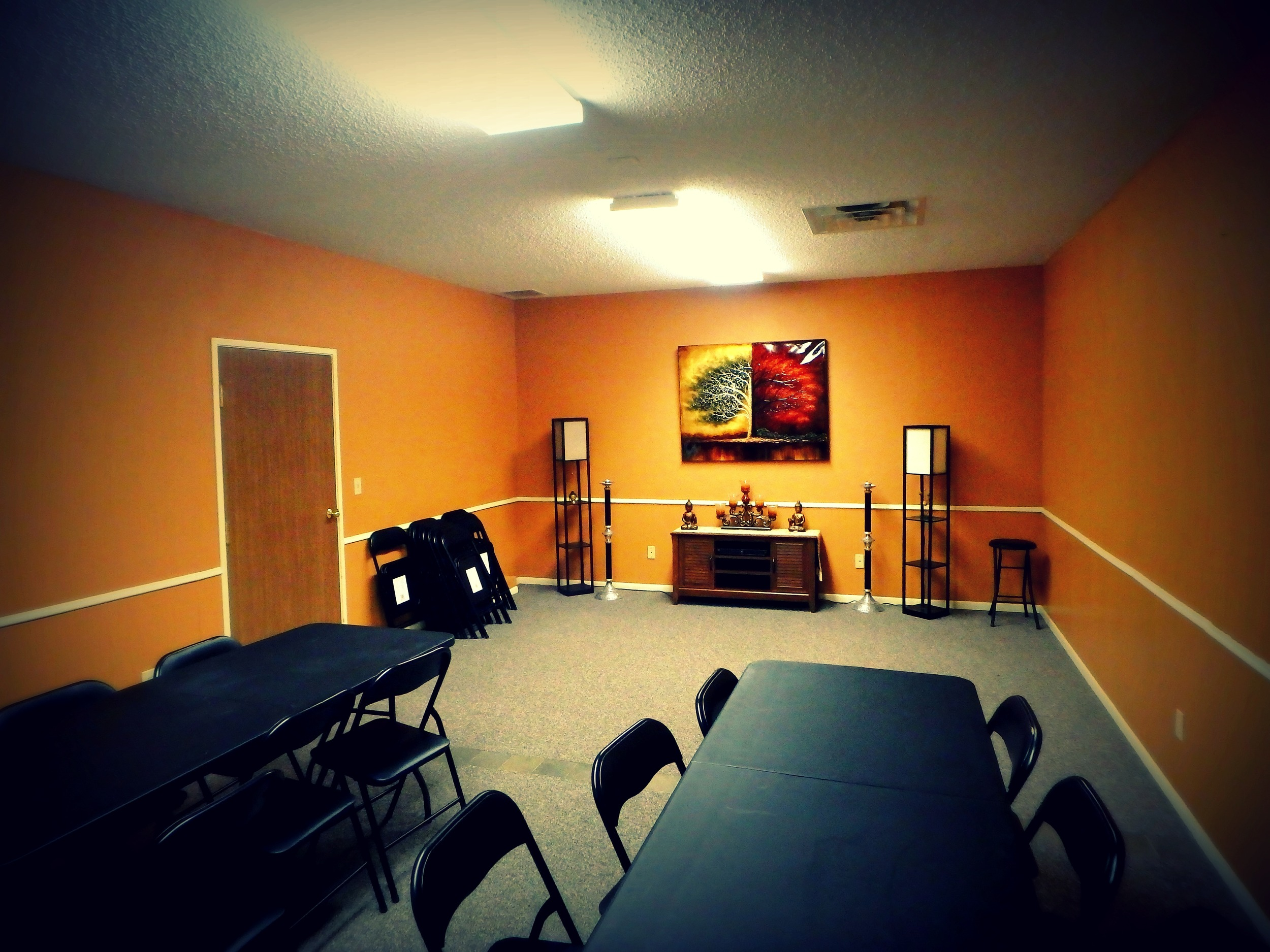 I'm so excited to have access to this beautiful space to offer various workshops, teach yoga classes and chant at healing rituals <3 It all begins in February!