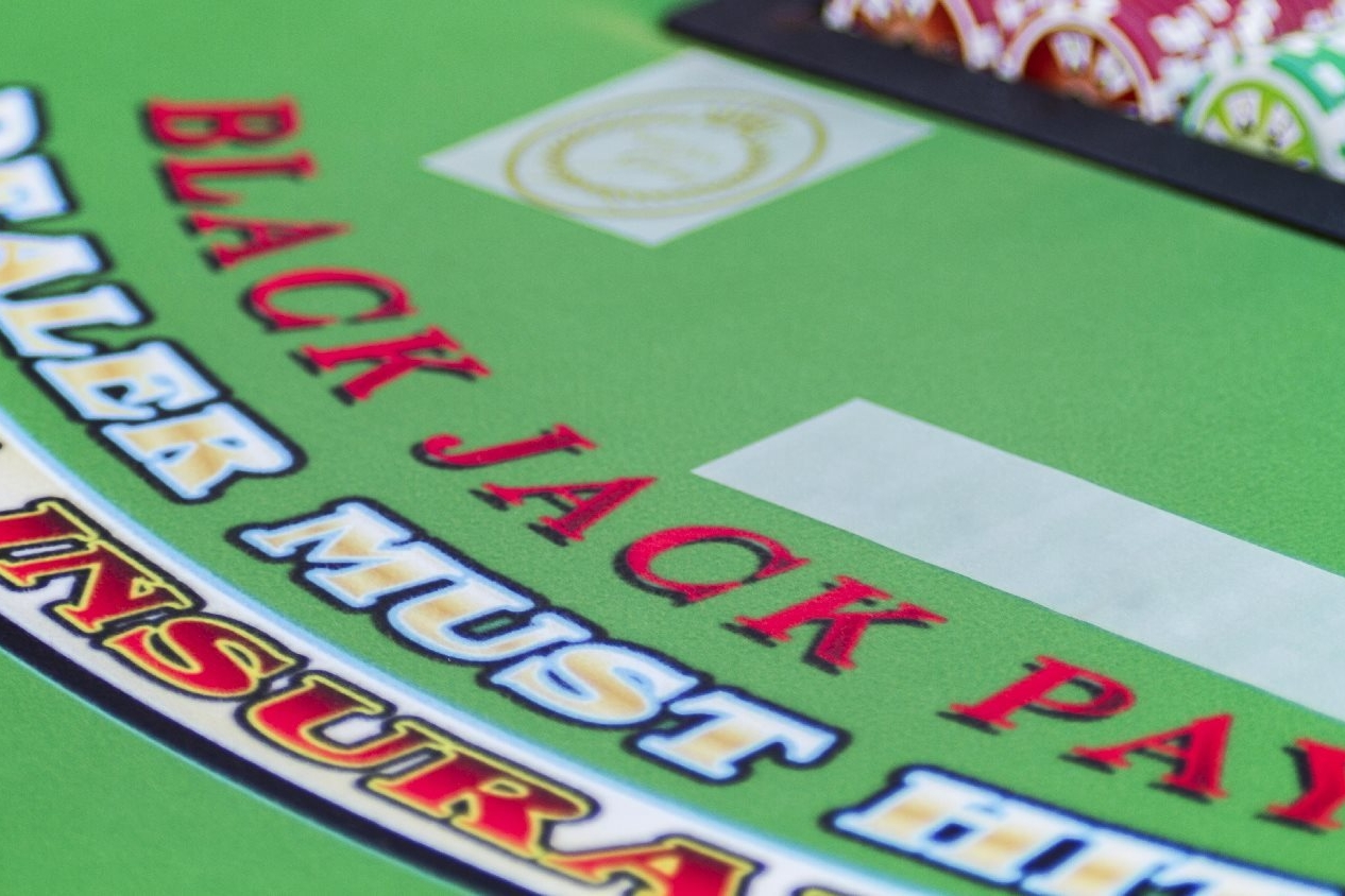 Black Jack Table New
