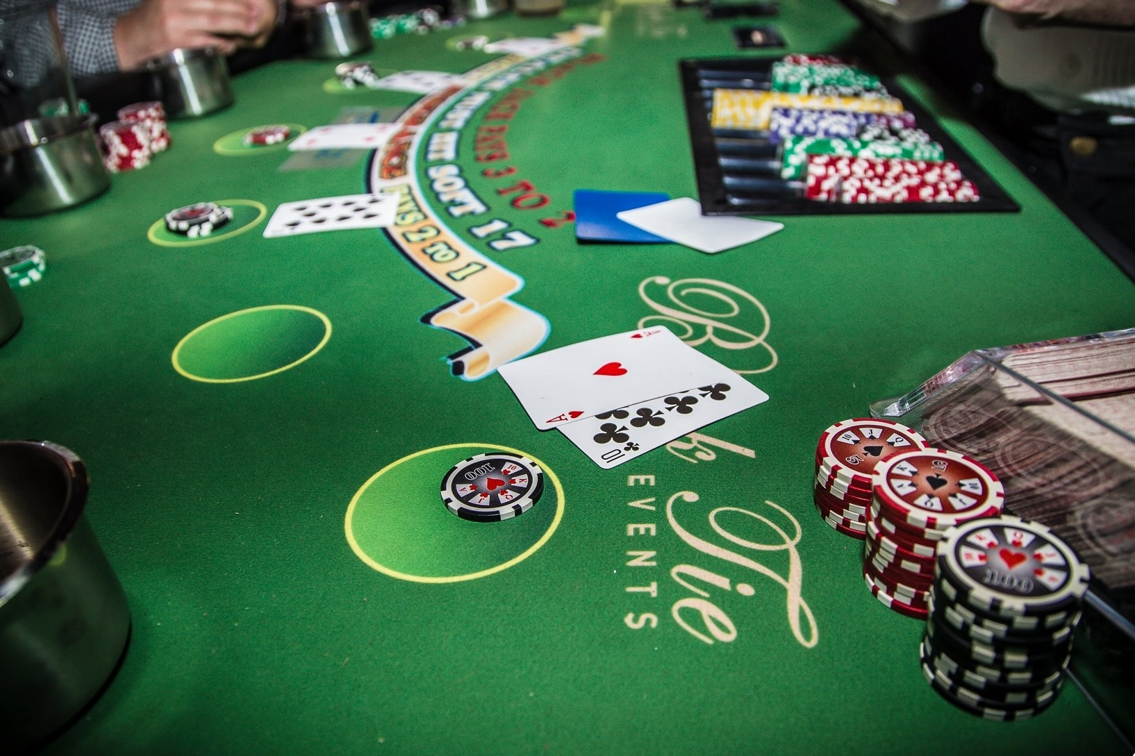 Black jack tournament table