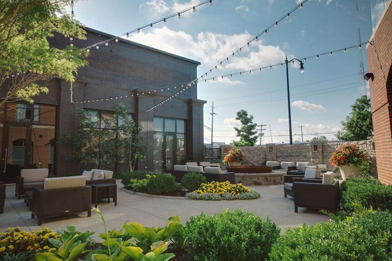 courtyard-marriott-patio.jpg