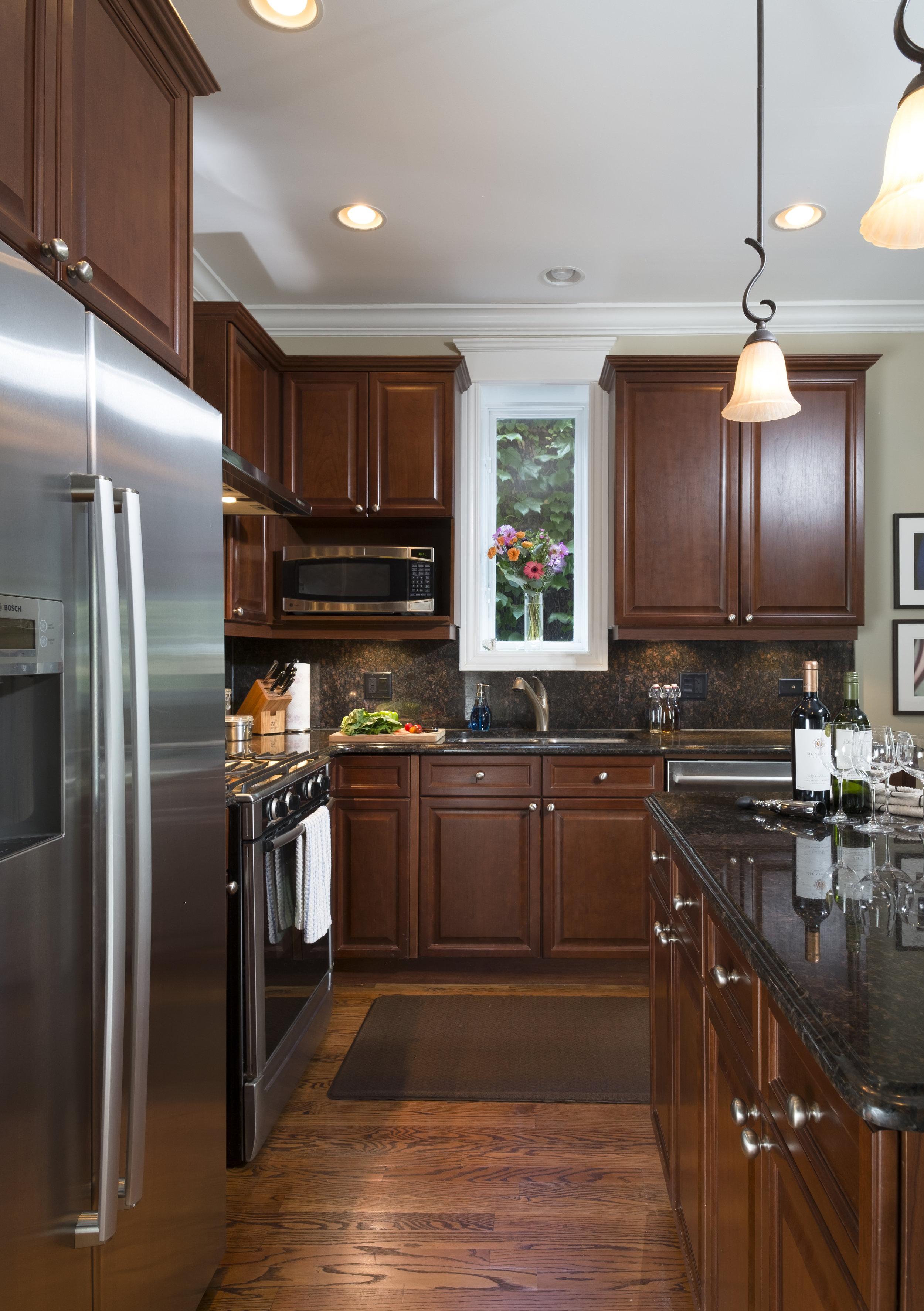 5a 1223 Kitchen.jpg