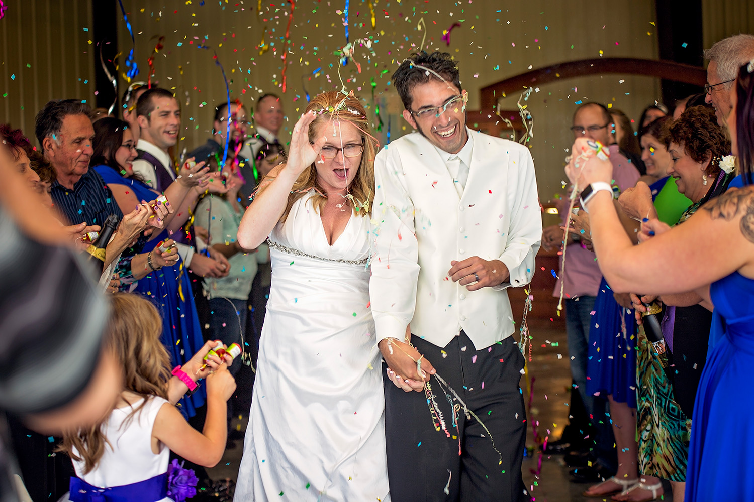 Confetti bride and groom send off, Springfield Missouri Wedding