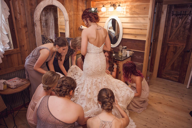 weathered wisdom barn missouri wedding (15).jpg