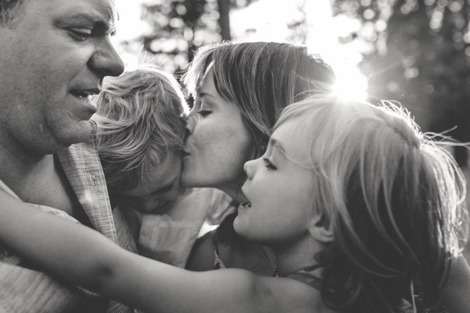 black and white family pose workshop tracy lynn photography