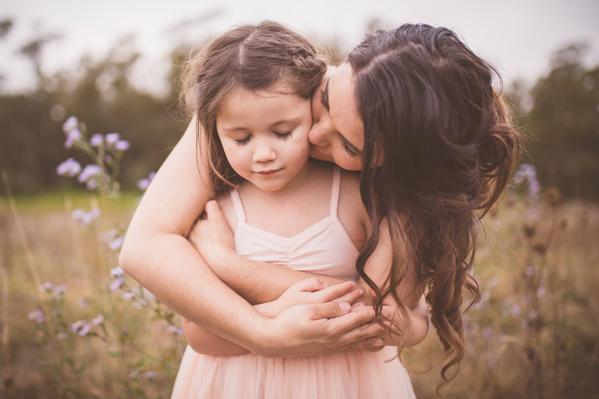 julie branson beautiful mother daughter connected family posing photography