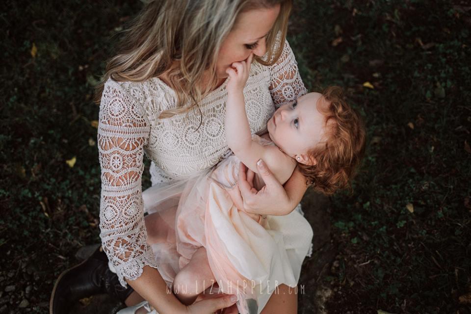 elena s blair photography presents going beyond the pose family lifestyle posing liza hippler