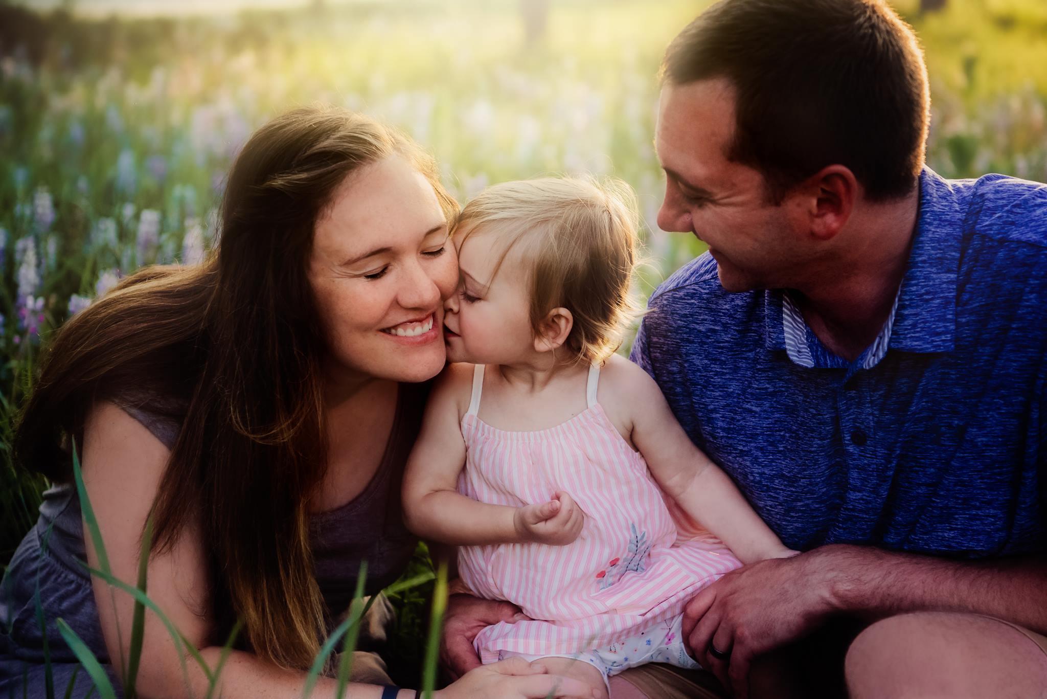 family posing made easy posing course for photographers elena s blair   cheryl minix