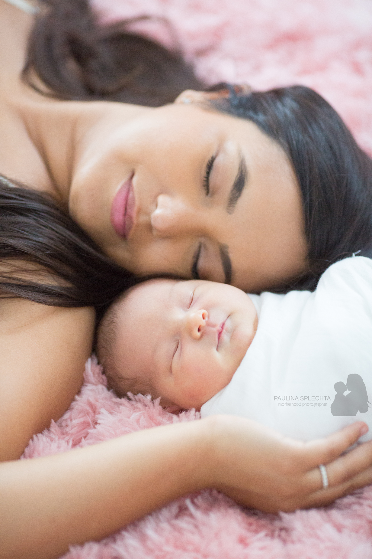 south-florida-breastfeeding-birth-photographer-newborn-family-maternity-1.png