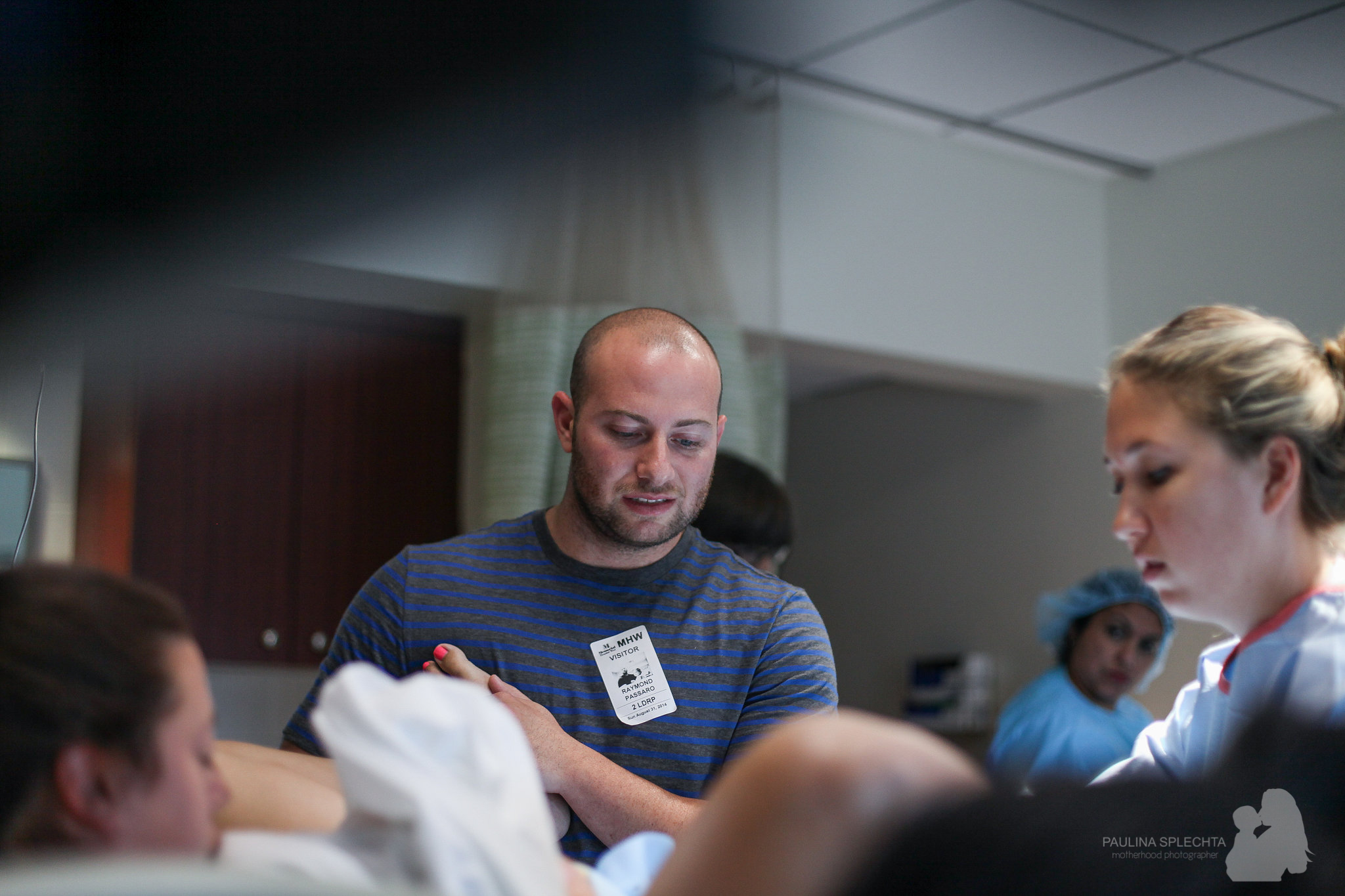 birth-center-hospital-photographer-photography-breastfeeding-south-florida-boca-regional-delray-palms-hollywood-pumping-water-natural-family-newborn-18.jpg