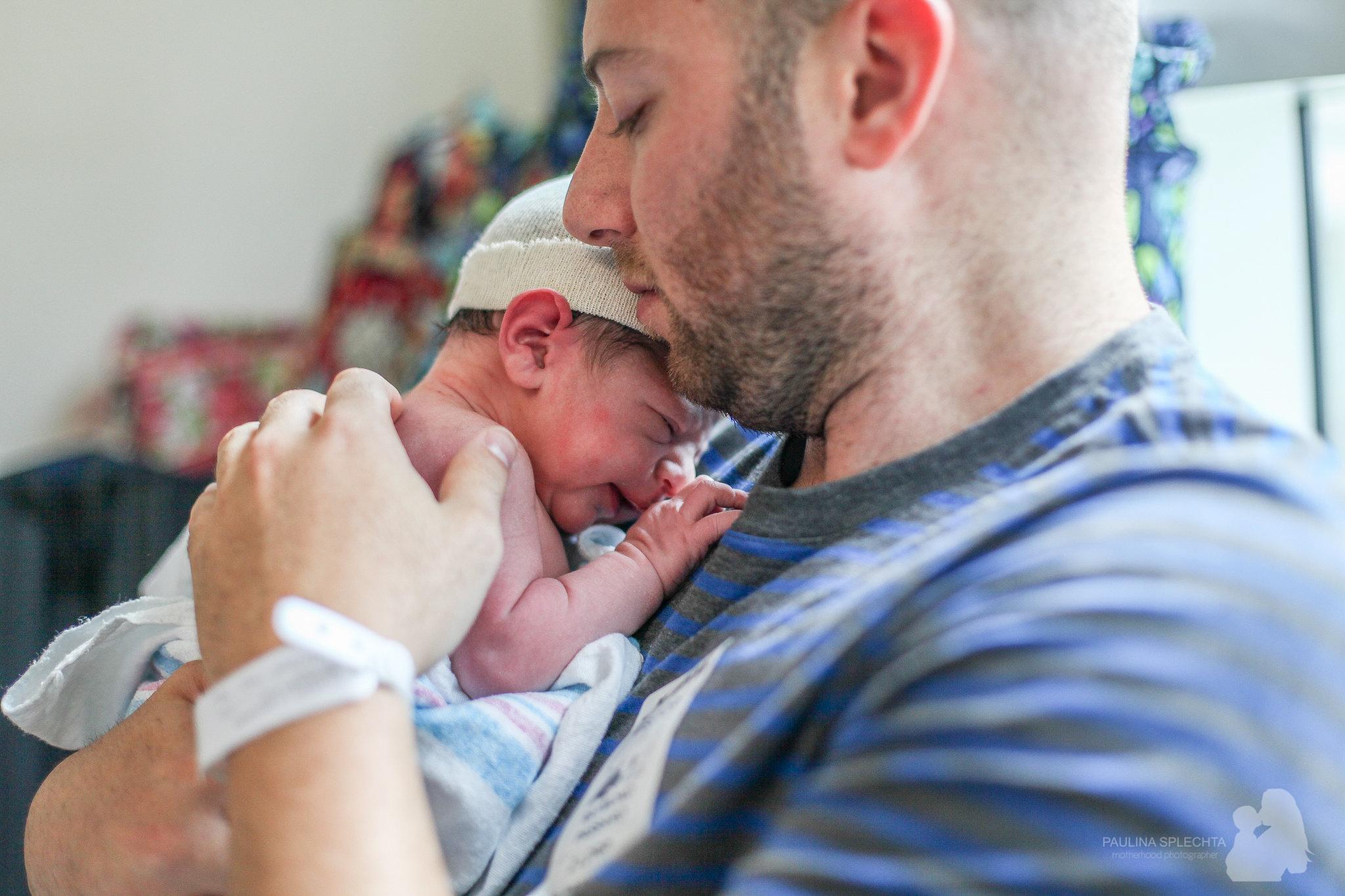 birth-center-hospital-photographer-photography-breastfeeding-south-florida-boca-regional-delray-palms-hollywood-pumping-water-natural-family-newborn-34.jpg