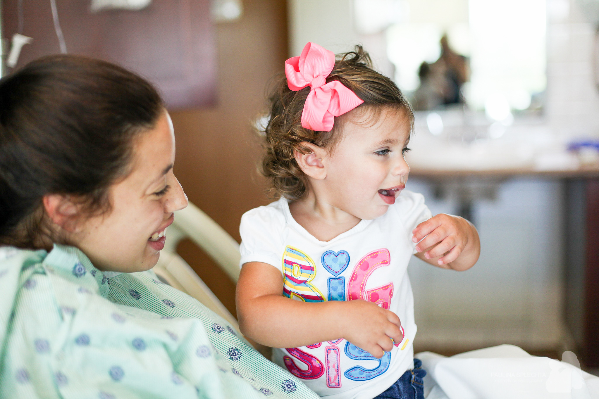 birth-center-hospital-photographer-photography-breastfeeding-south-florida-boca-regional-delray-palms-hollywood-pumping-water-natural-family-newborn-37.jpg