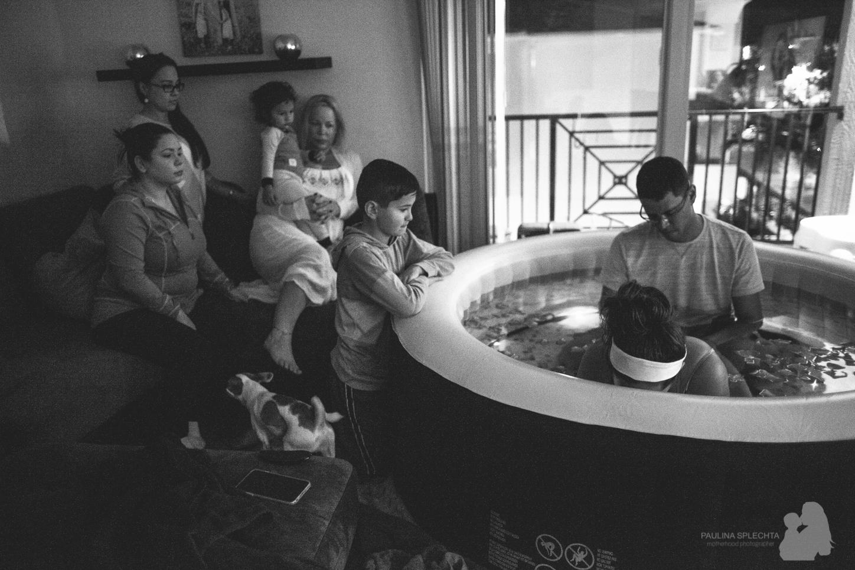 boca-raton-birth-photographer-breastfeeding-center-home-hospital-photography-maternity-newborn-paulina-splechta-hypnobirthing-doula-midwife-12.jpg