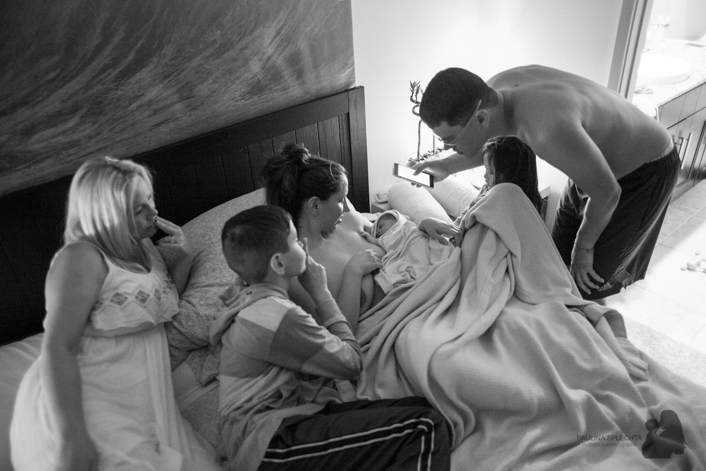 boca-raton-birth-photographer-breastfeeding-center-home-hospital-photography-maternity-newborn-paulina-splechta-hypnobirthing-doula-midwife-25.jpg