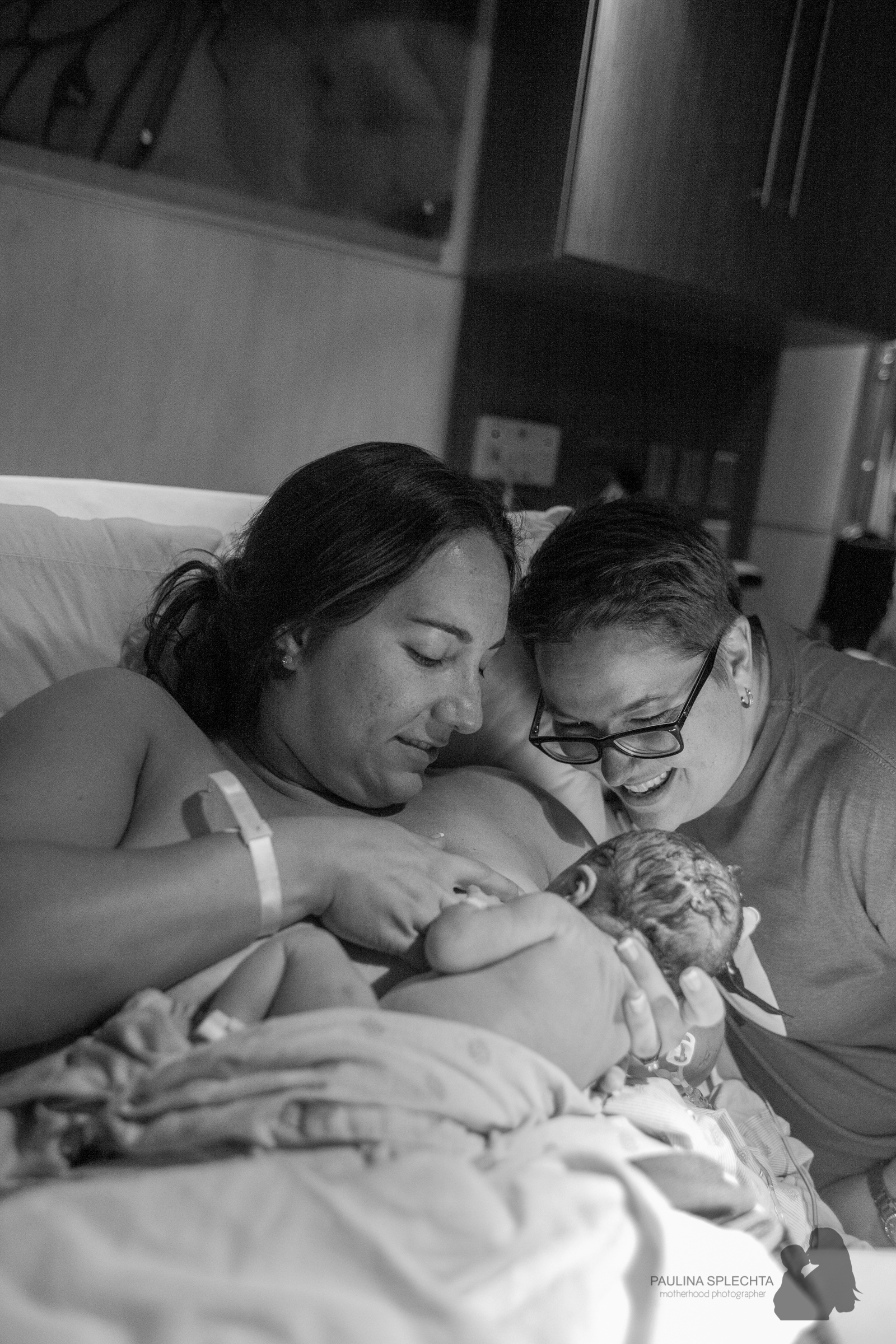 bocabirthphotographer-boca-birth-photographer-birth-center-hospital-hypnobirthing-midwife-doula-trimester-breastfeeding-florida-hollywood-delray-stop-nausea-morning-sickness-19.jpg