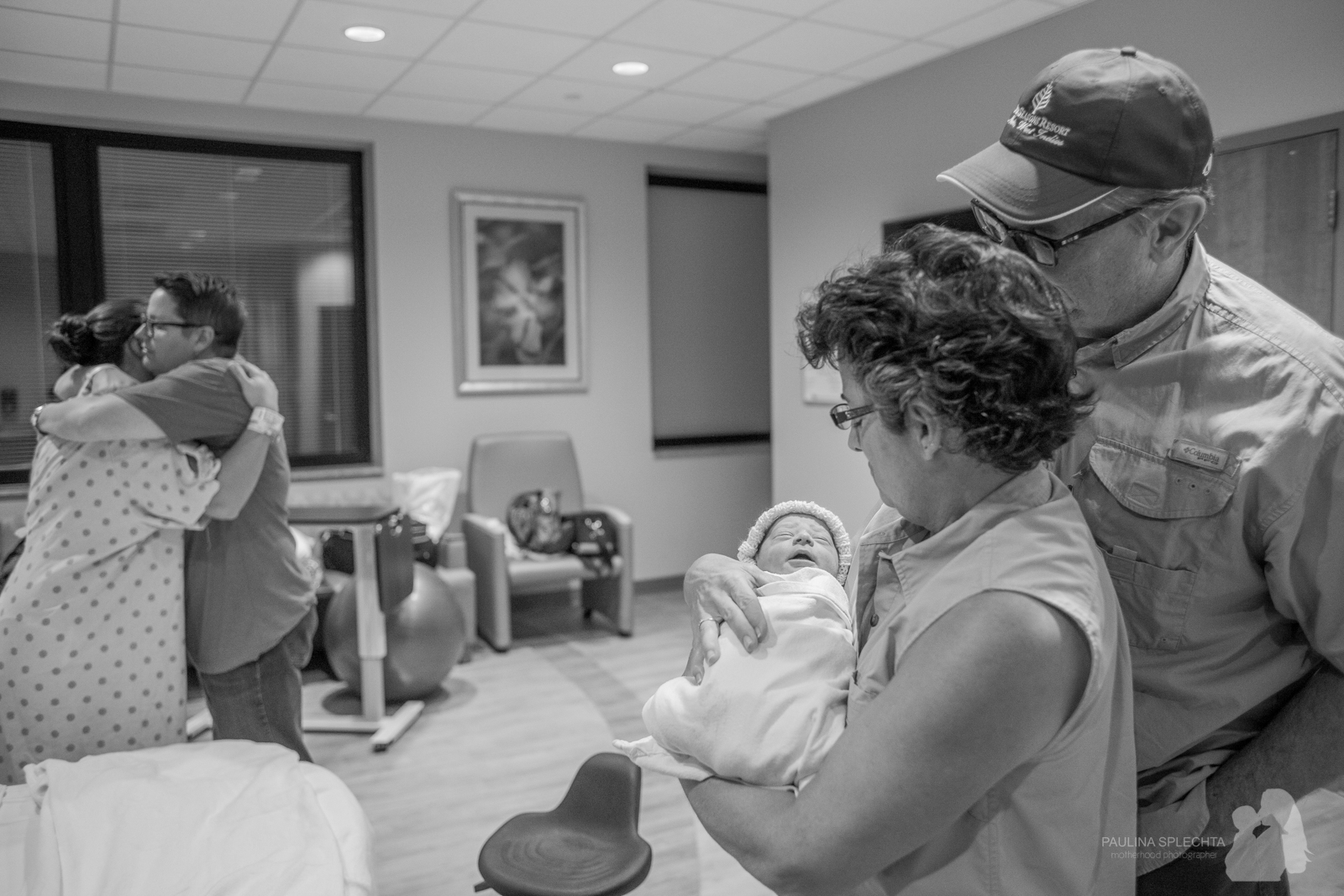 bocabirthphotographer-boca-birth-photographer-birth-center-hospital-hypnobirthing-midwife-doula-trimester-breastfeeding-florida-hollywood-delray-stop-nausea-morning-sickness-37.jpg