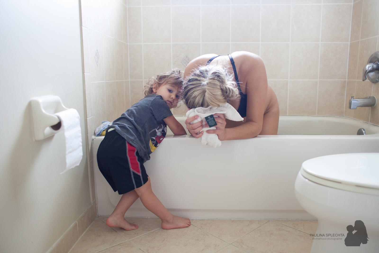 bocabirthphotographer-boca-birth-photographer-birth-center-hospital-hypnobirthing-midwife-doula-trimester-breastfeeding-florida-hollywood-delray-stop-nausea-morning-sickness-2.jpg