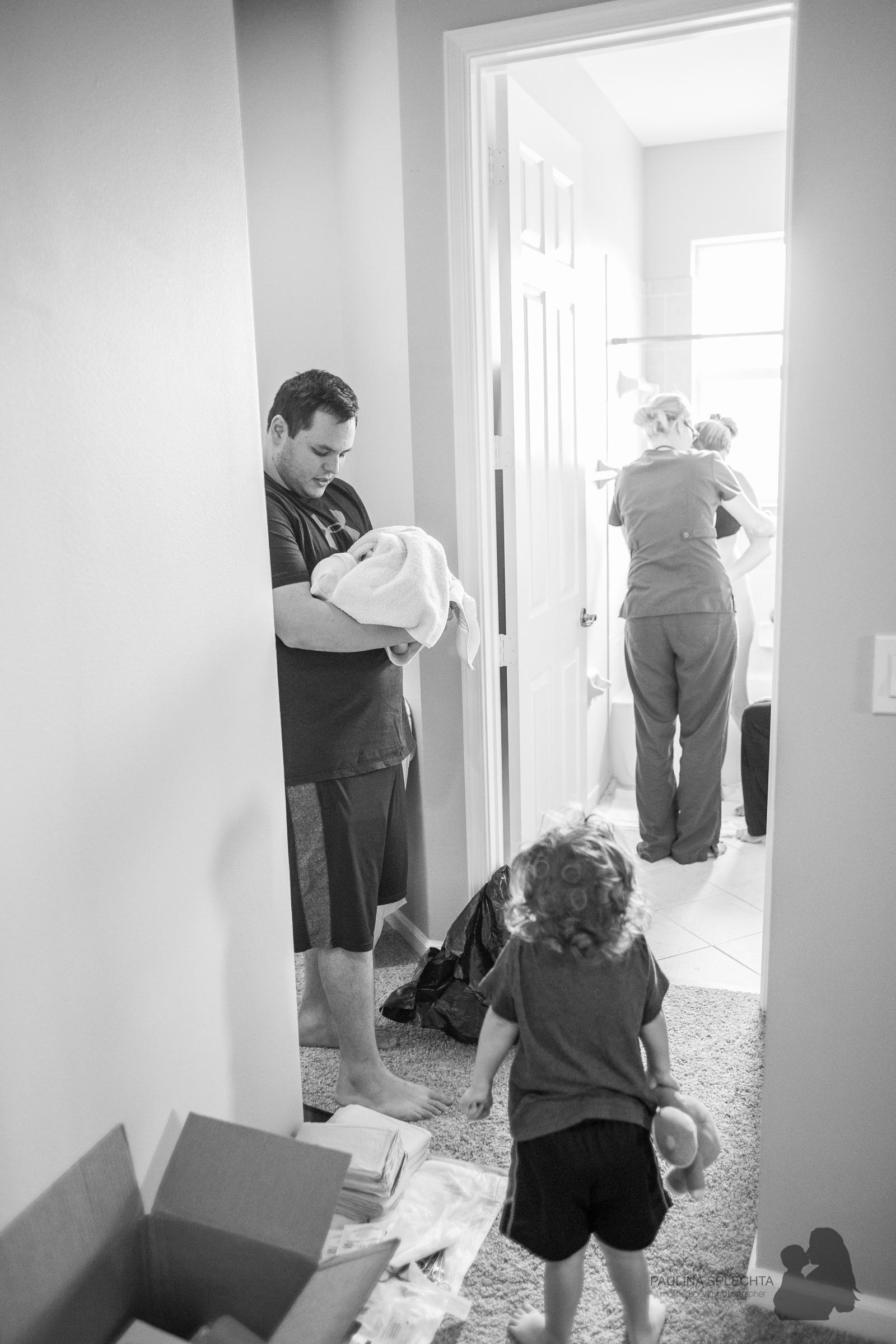bocabirthphotographer-boca-birth-photographer-birth-center-hospital-hypnobirthing-midwife-doula-trimester-breastfeeding-florida-hollywood-delray-stop-nausea-morning-sickness-24.jpg