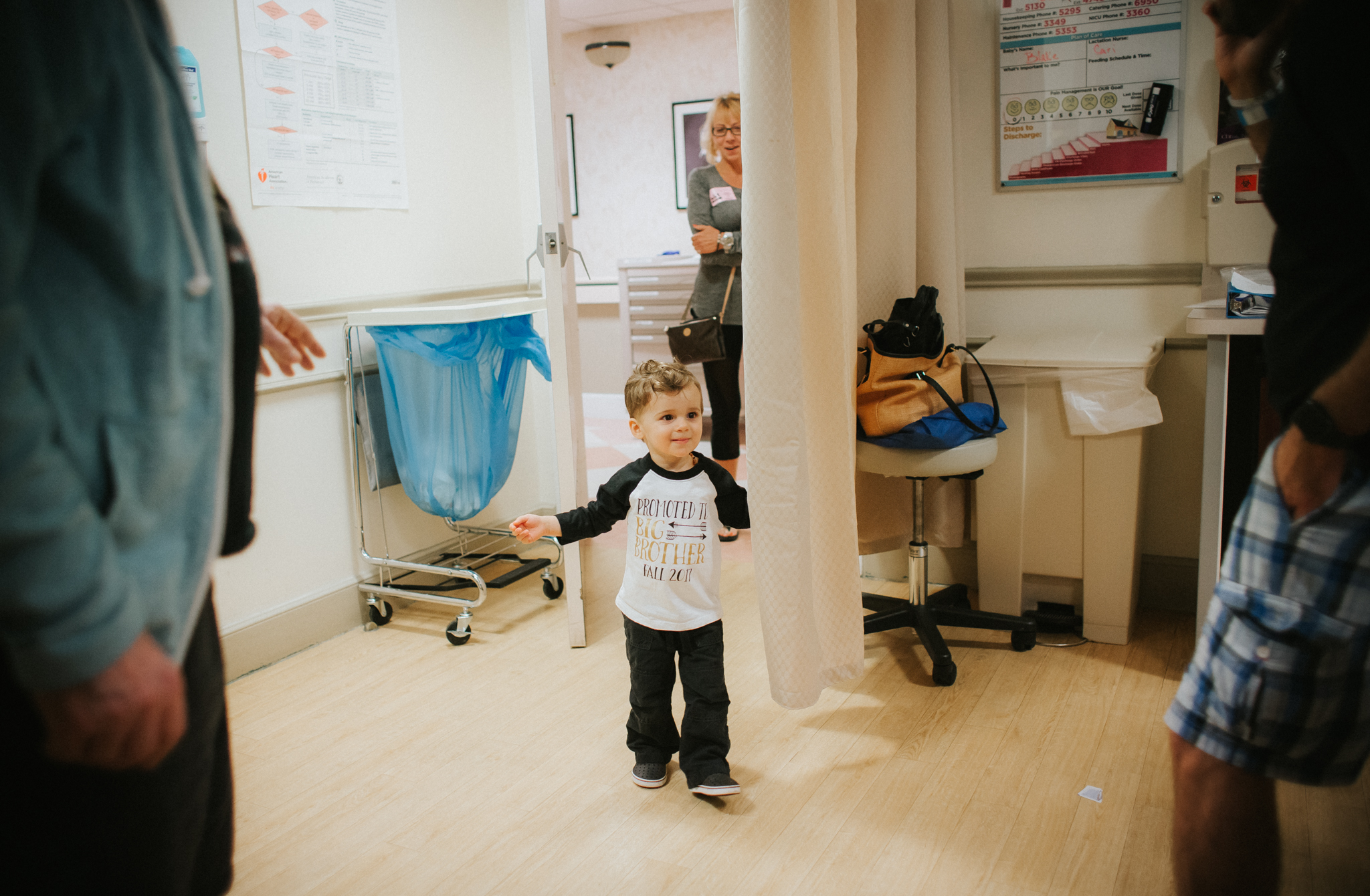 big brother meeting the baby in the hospital.jpg