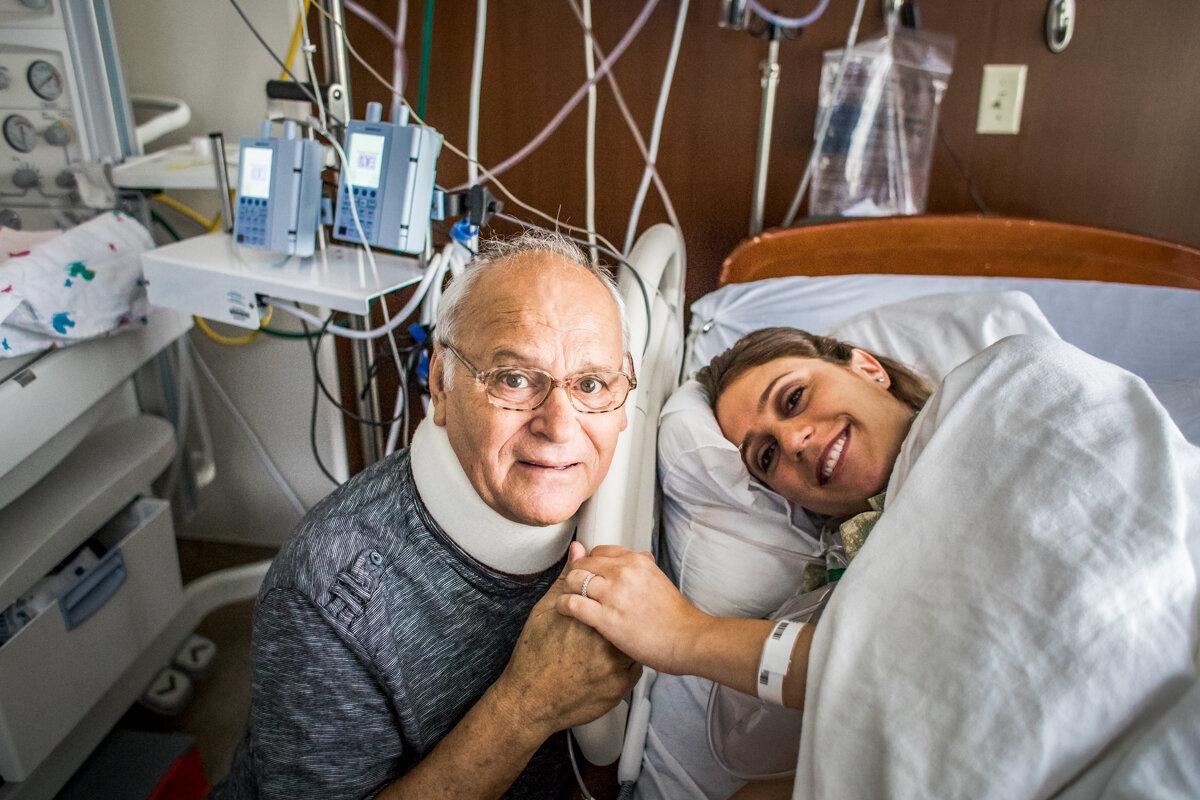parents visiting during labor hospital.jpg