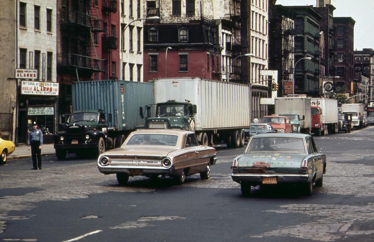 Holland Tunnel traffic, backed up on Canal Street, in May of 1973. Photo: Will Blanche/NARA.See this same spot today on  Google Street View .