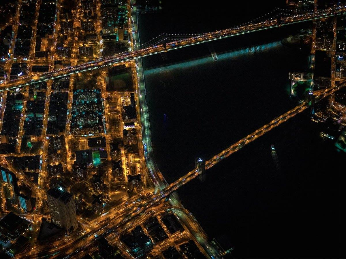 The Brooklyn Bridge and Manhattan Bridge (above).