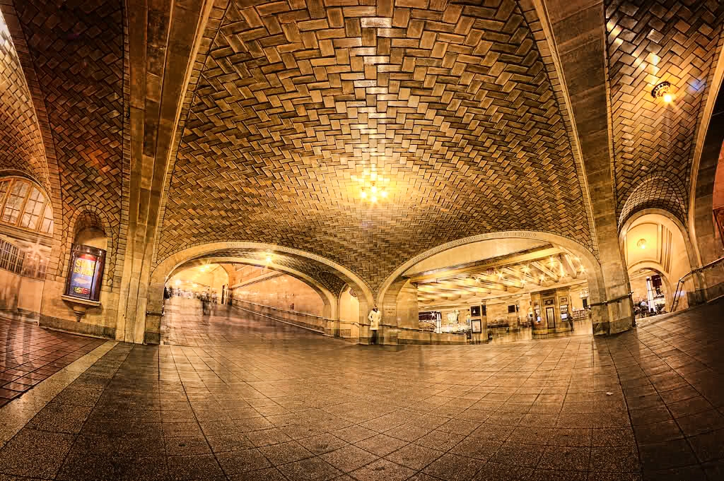 Tours in New York:The Whispering Gallery at Grand Central Terminal
