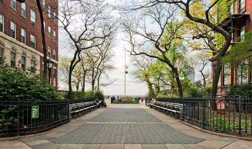 the-welcome-blog-brooklyn-heights-promenade- sightseeing-new-york