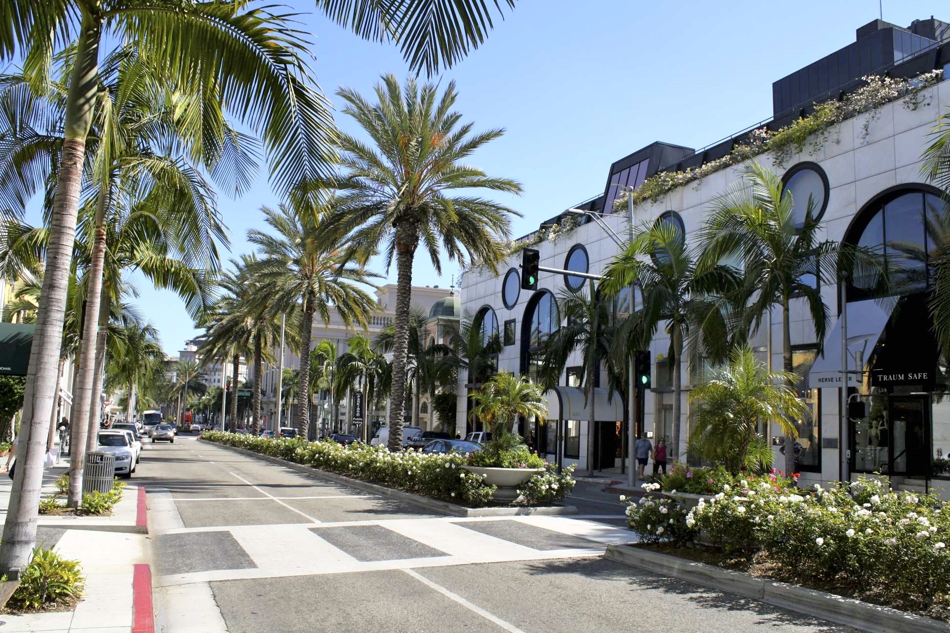 "In a new ""Main Streets Across the World"" report by global real estate authority Cushman & Wakefield, it has been revealed that renting a space on the famed   Rodeo Drive   corridor costs a whopping $800 per square foot, which is insane. What's even more insane is the rent of New York's Upper Fifth Avenue—$3,500 per square foot—making it the retail street to beat."