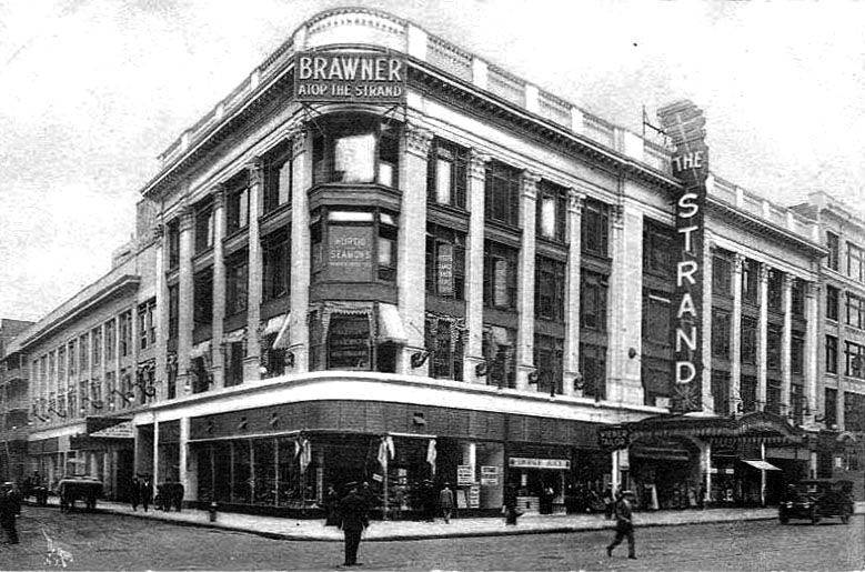 Strand Theatre in 1928, now occupied by the Hershey's store at the northern end of Times Square