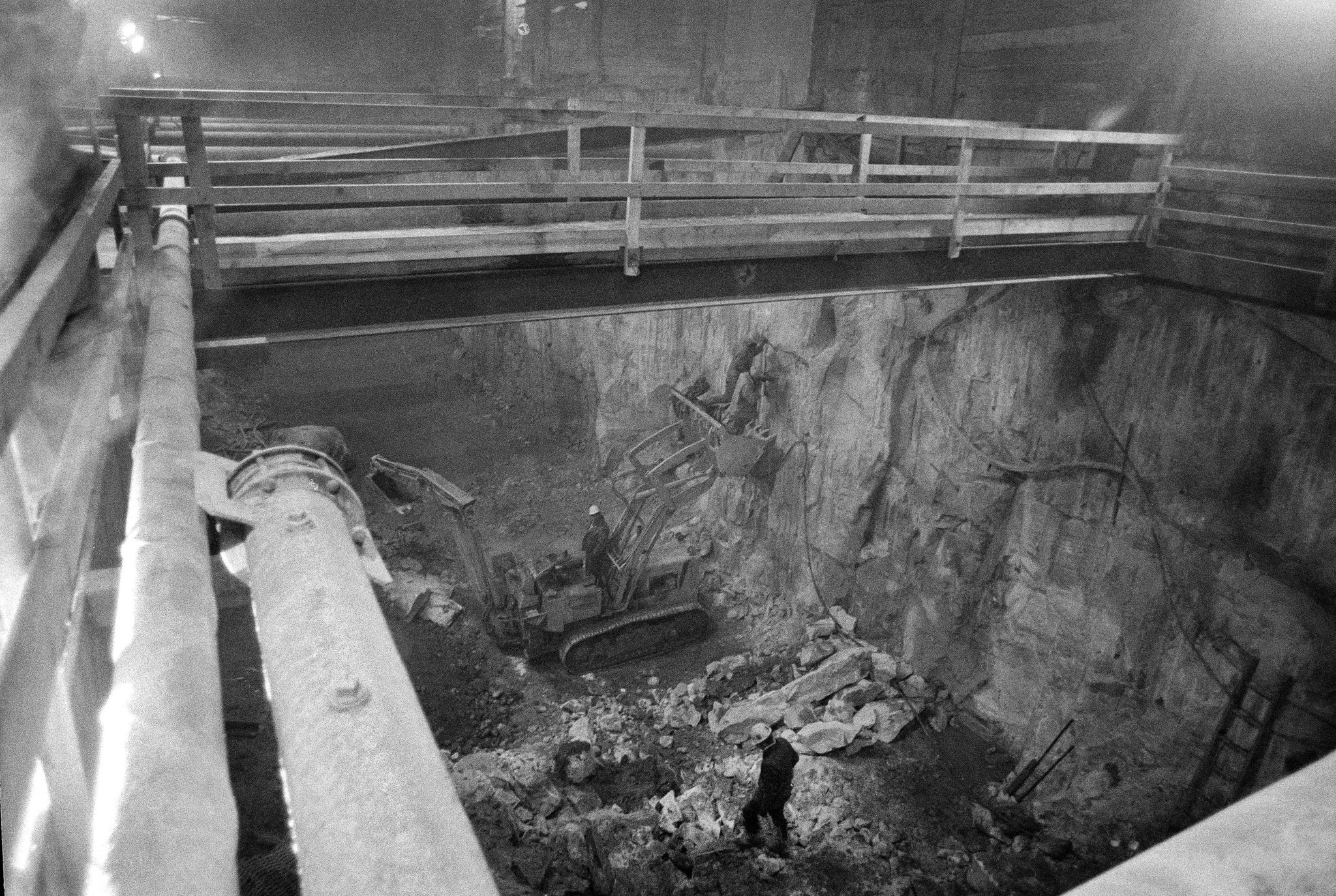 Construction on the Second Avenue subway in 1974.CREDIT: MEYER LIEBOWITZ/THE NEW YORK TIMES