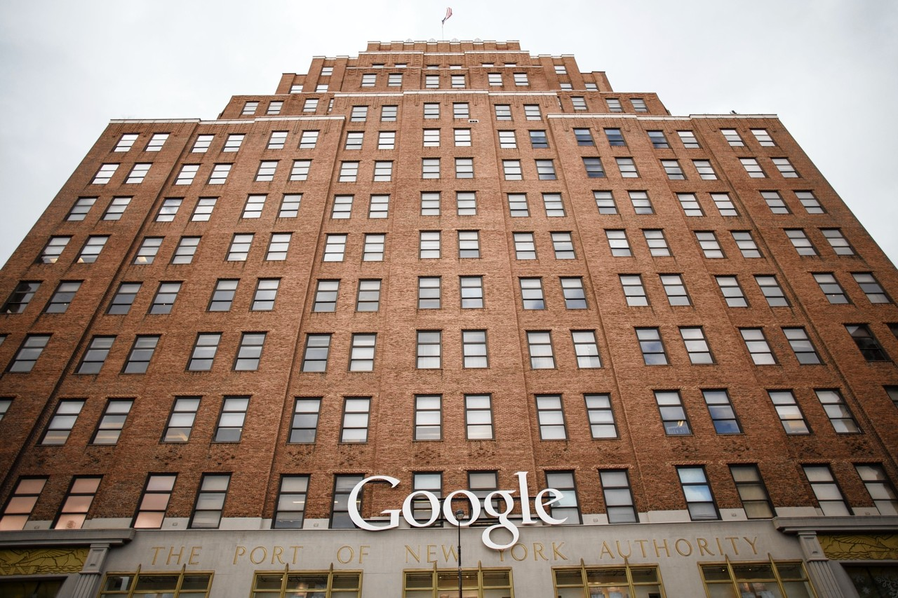 Today, more than 4,000 Googlers work in our New York office, a former Port Authority building at 111 Eighth Avenue.