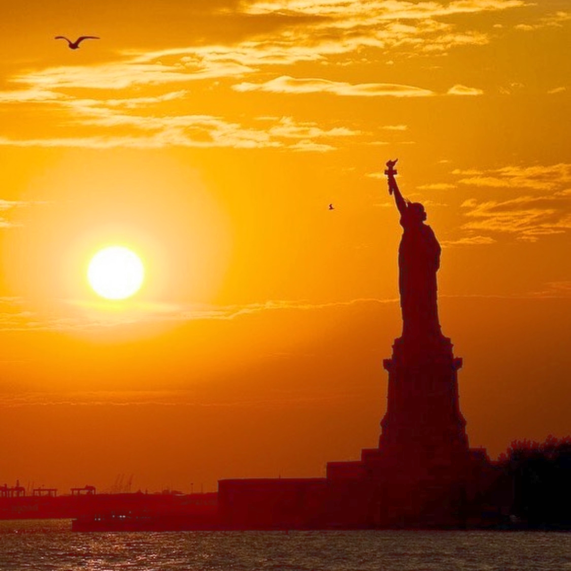 "Click here to access ""The Statue of Liberty and its Secret Stories"""